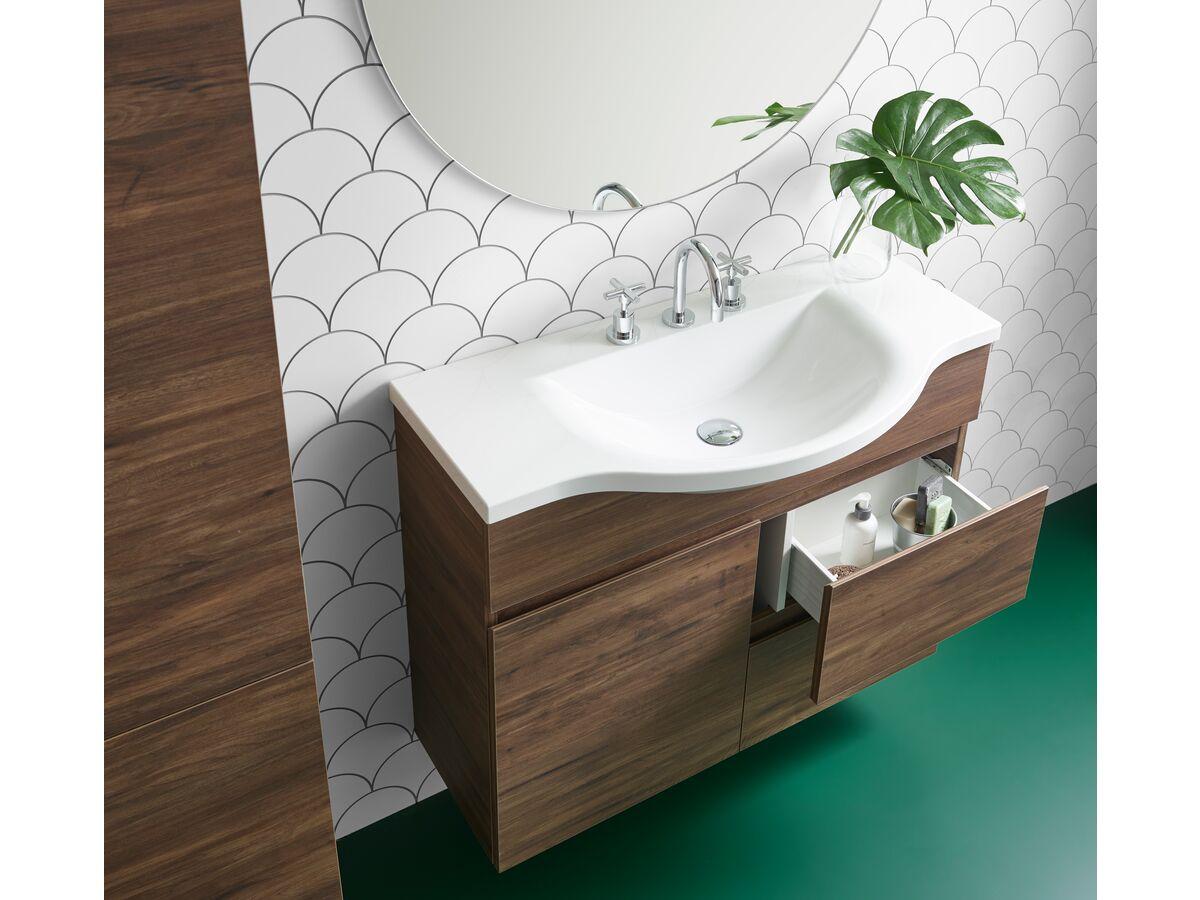 Posh Solus / Domaine Bathroom Setting