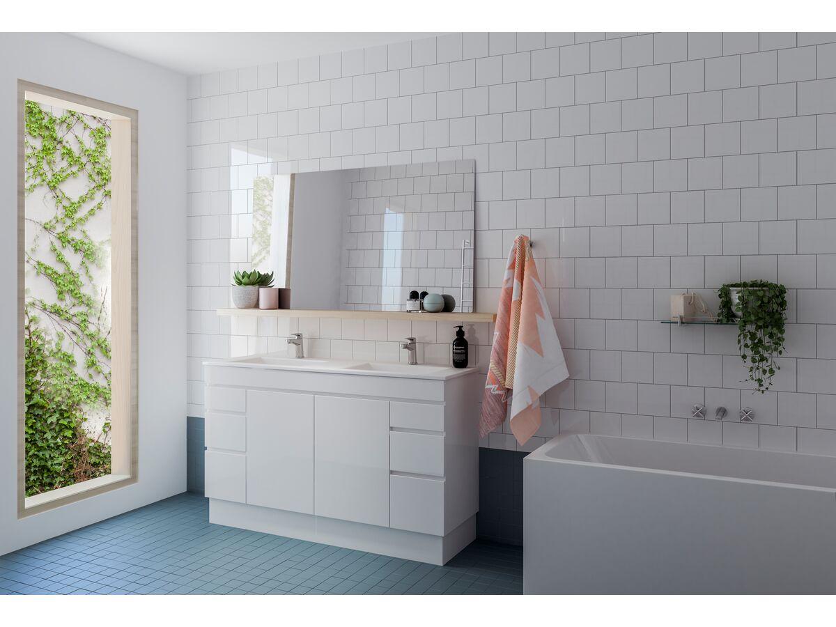 Showerama / Posh / Kado / Bathroom Setting